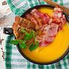 Supa crema de dovleac cu mere si bacon