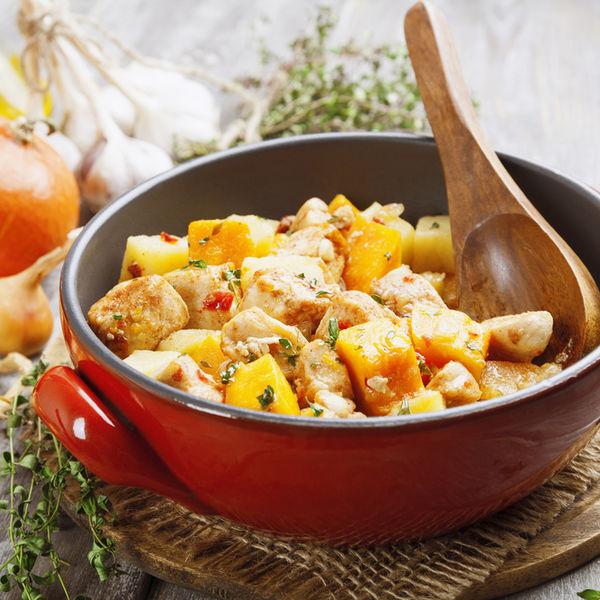 Tocăniță de pui cu ceapă și cartofi