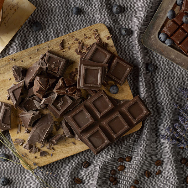 Ciocolată neagră de casă, din 3 ingrediente. Simplă și sănătoasă!