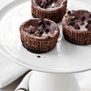 Mini cheesecake cu ciocolată