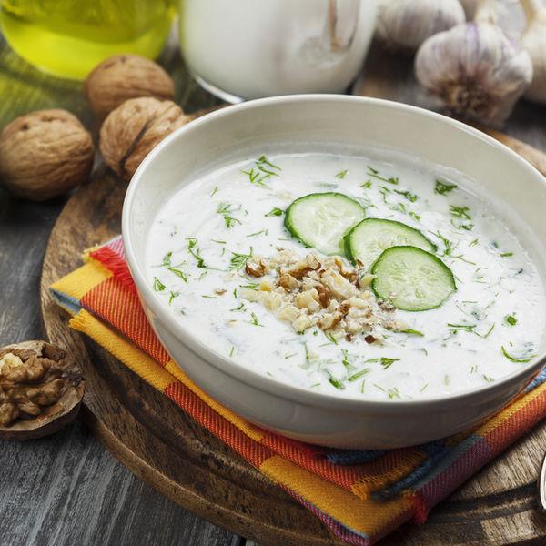 Tarator, supă rece bulgărească de castraveţi cu iaurt