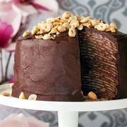 Tort de clătite cu ciocolată și alune